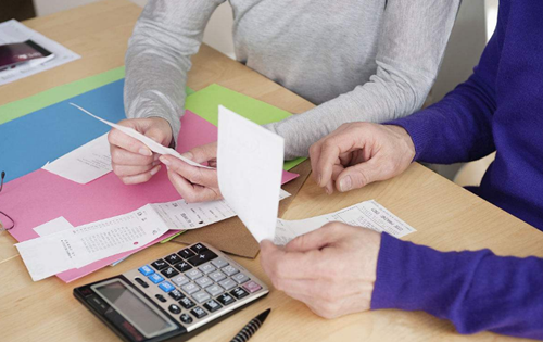 销售机器设备并提供安装怎么做会计处理?